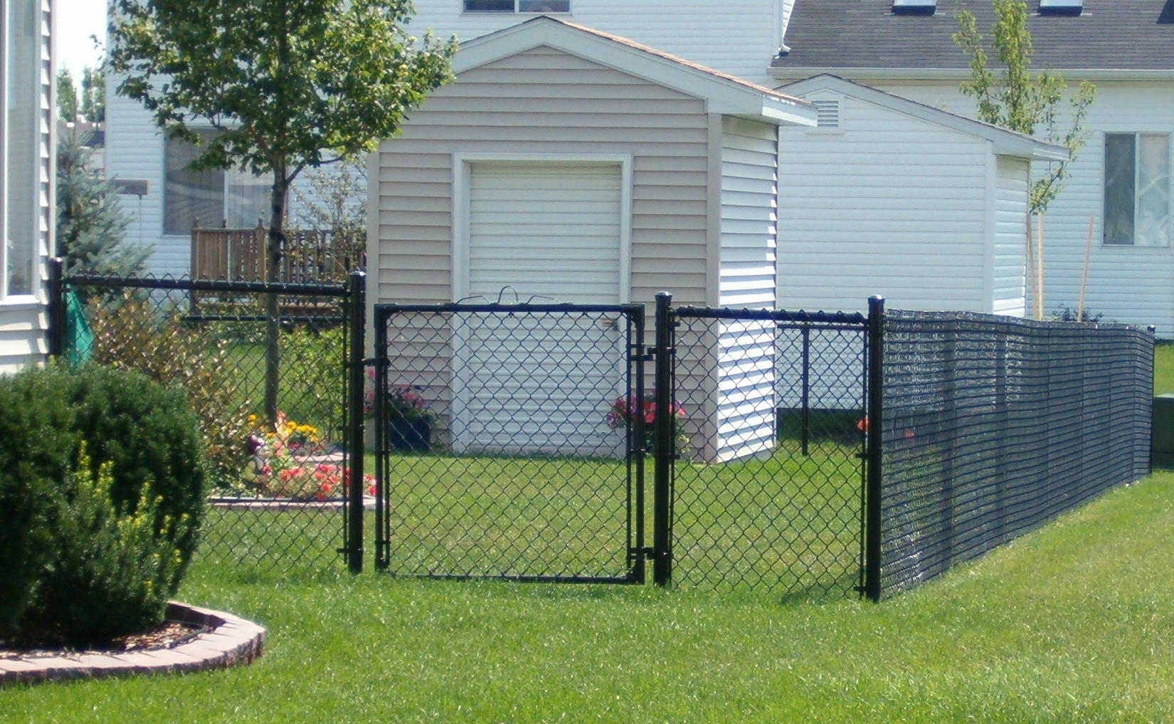 Privacy screen for chain link fence sears - Chain Link Fences Todayu0027s Residential